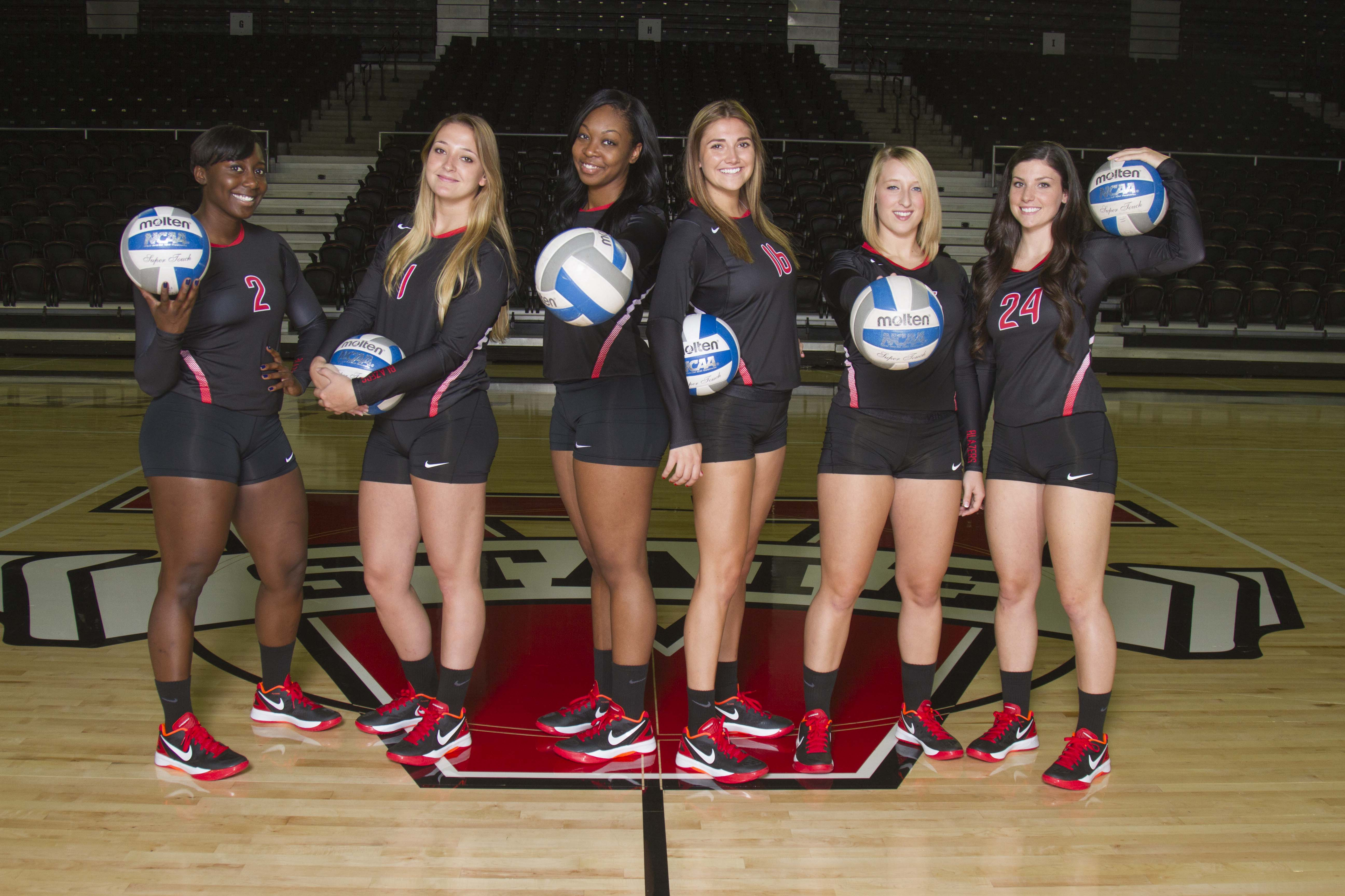 Volleyball Opens Season Against Lady Rams Flyers The