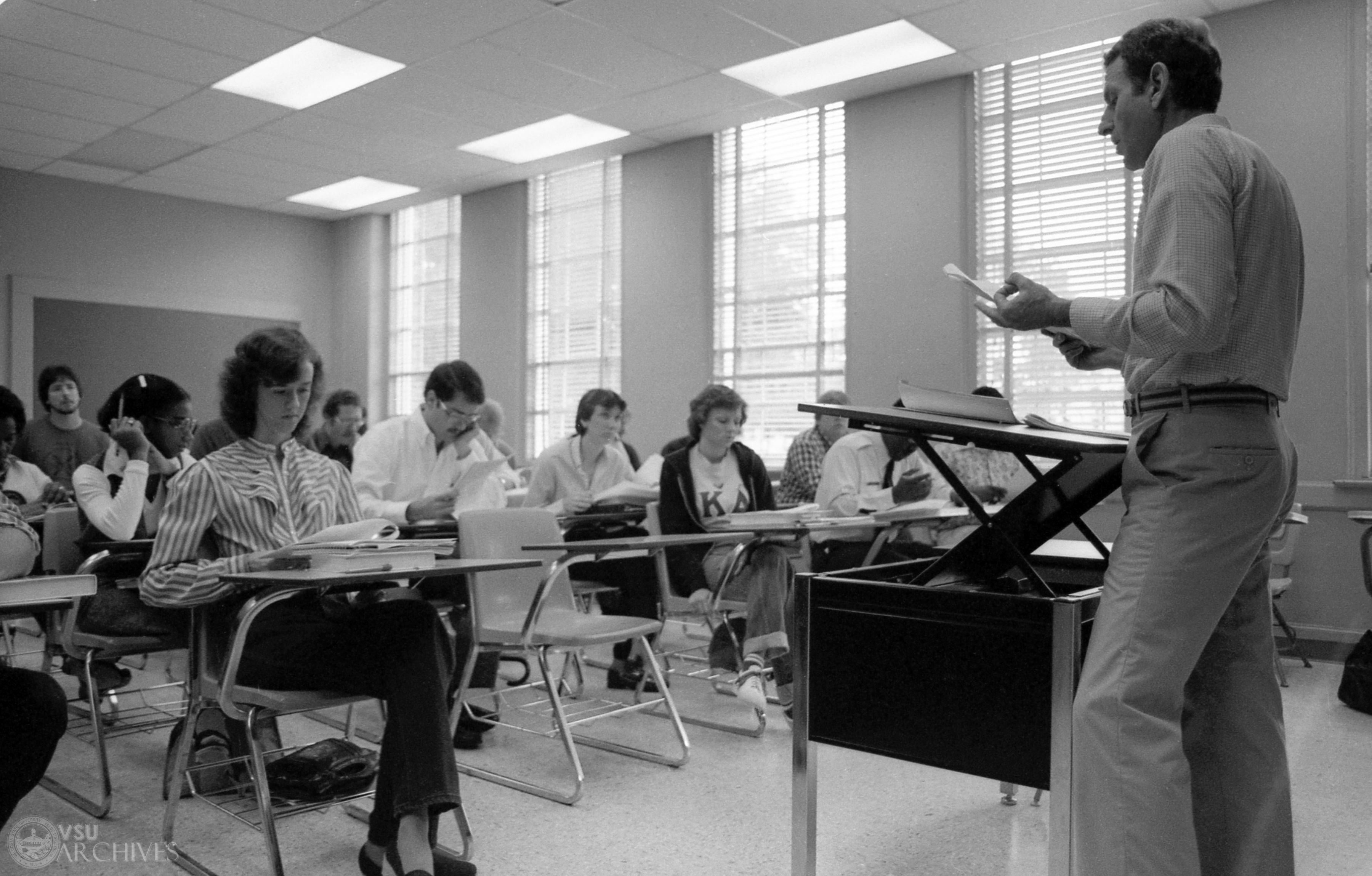 1982, School of Business
