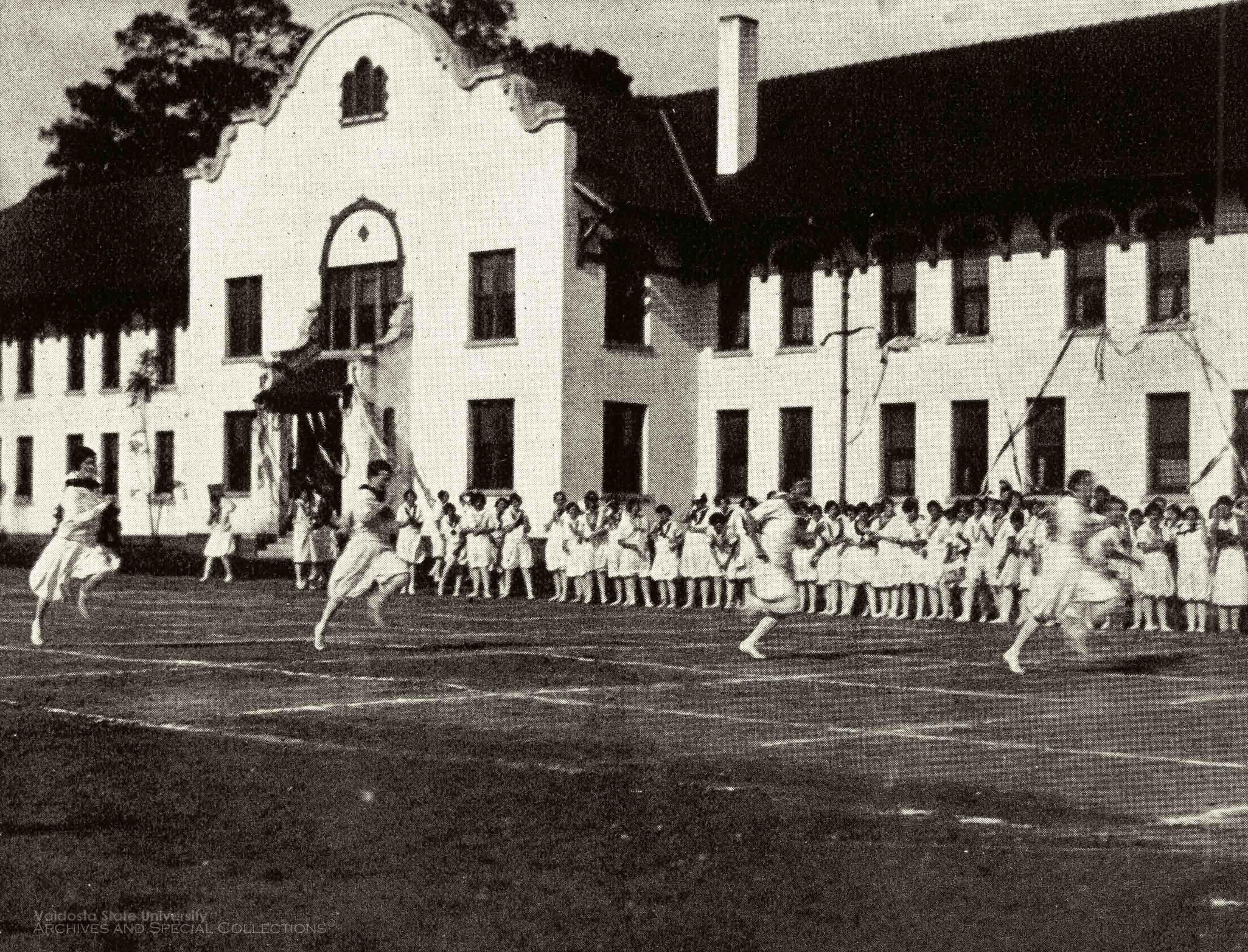 1928, Field Day