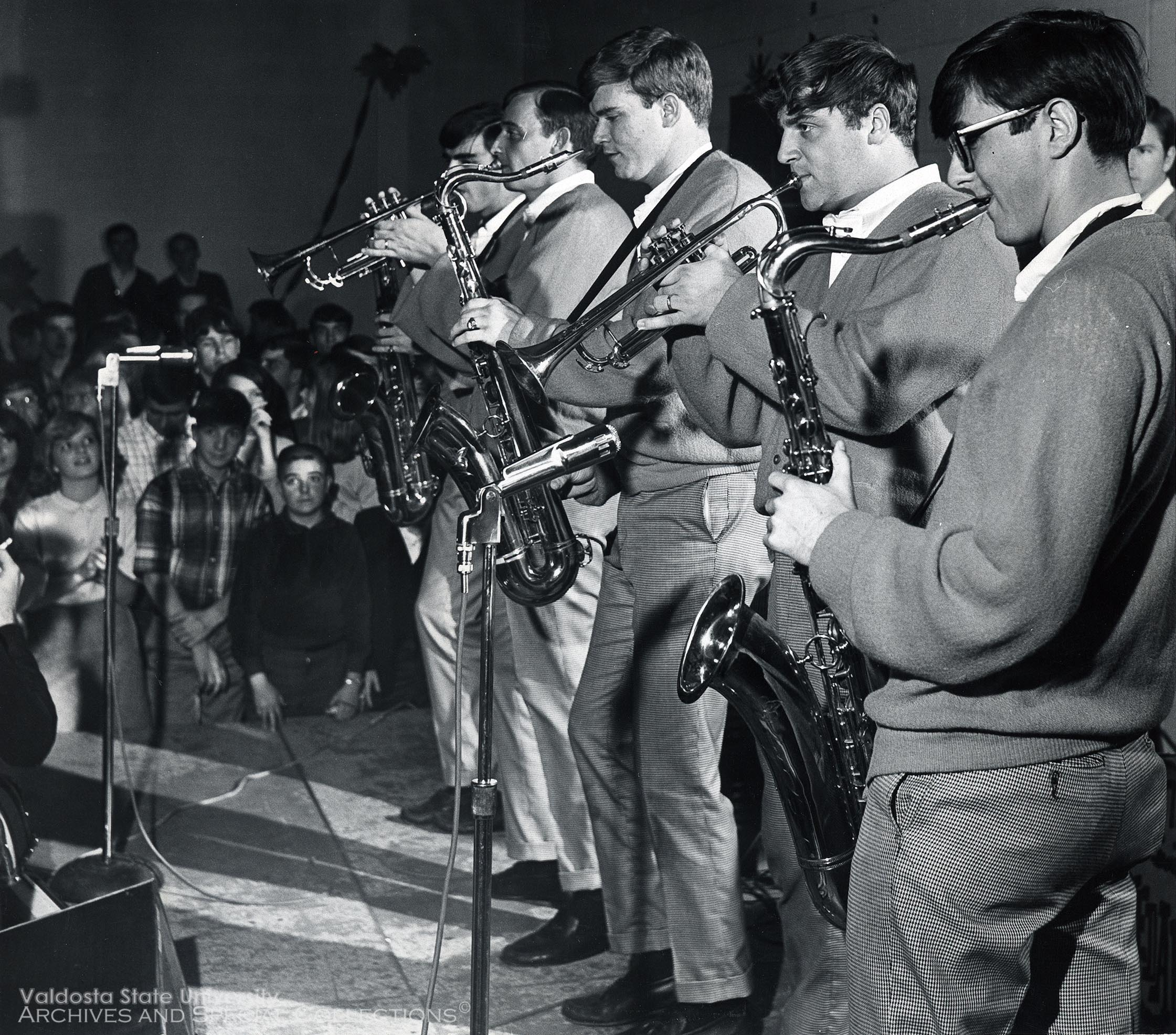 1967, The Medallions Perform On Campus