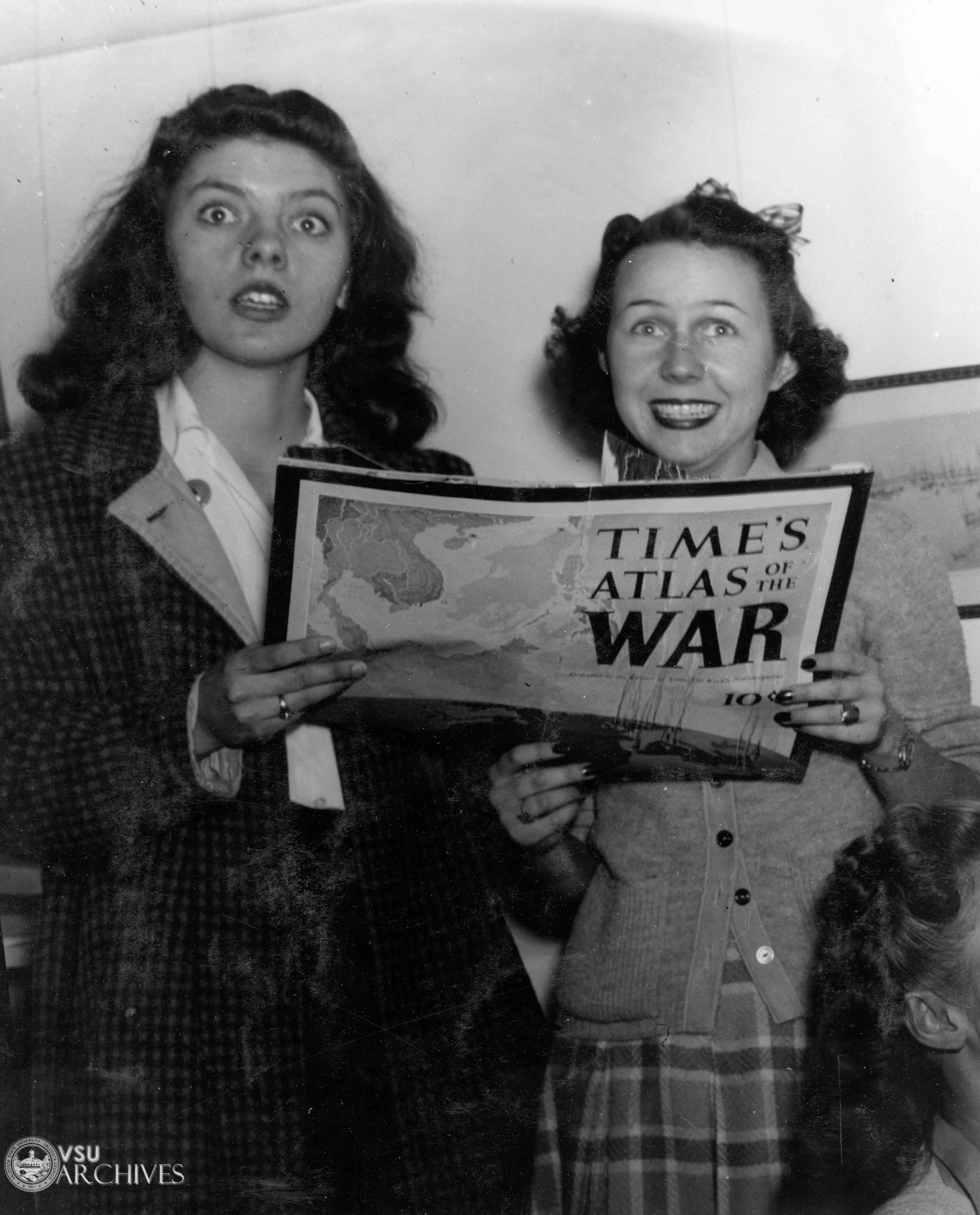 1942, Students Reading About WWII